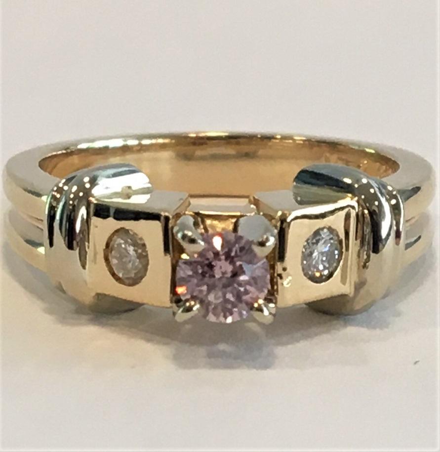 Lady's 0.21ct Fancy Pink Diamond Ring (0.33ct TW)