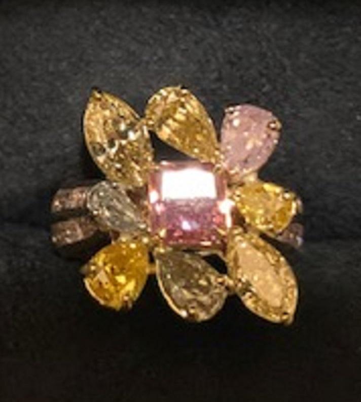 Lady's 1.07ct Fancy Vivid Purplish Pink Diamond Ring (4.97ct TW)