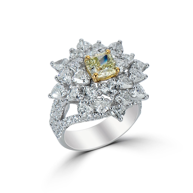 Lady's 1.26ct Fancy Light Green-Yellow Diamond Ring (5.20ct TW)