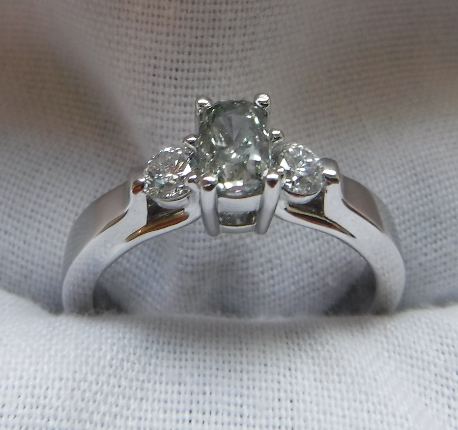 Lady's 0.72ct Fancy Gray-Green Diamond Ring (1.02ct TW Approximately)