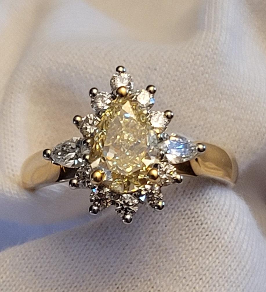 Lady's Internally Flawless 1.24ct Fancy Yellow Diamond Ring